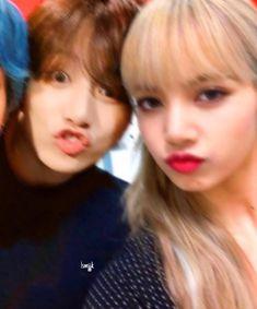 back from a long hiatus 🤭 [cropped tae✌🏻] Kpop Couples, Cute Couples, Live Meme, Ariana Grande Cute, Bts Clothing, Bts Girl, Korean Beauty Girls, Korean Couple, Fake Photo