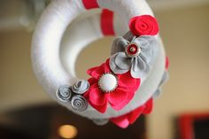 Frankly Speaking Too: Yarn Wreath with Felt Flowers - #1 | Valentine's Day Decor