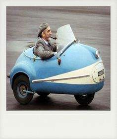This cool little car popped up in my Twitter feed this morning via an authors book promotion..No mention of what it is & how old..So for now I will just say it is a vintage re-production Smart car..Just for fun.. #VintageCar