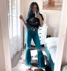 Cute Cowgirl Outfits, Western Outfits Women, Country Style Outfits, Southern Outfits, Rodeo Outfits, Cute Casual Outfits, Country Western Outfits, Western Style Clothing, Cow Girl Outfits