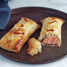 Kräuterlachs im Blätterteig (Baked Herbed Salmon in Pastry)