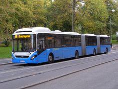 Volvo articulated bus in Göteborg, Sweden Volvo Trucks, Mack Trucks, Dump Trucks, Luxury Bus, New Bus, Bus Coach, Bus Station, Commercial Vehicle, Public Transport