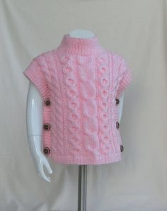 On Pull Poncho Size 18 months / 24 months Child Baby Pull Poncho, Knitted Poncho, Ärmelloser Pullover, Sleeveless Jumper, Knit Baby Sweaters, Crochet Baby Clothes, Baby Models, High Collar, Pulls