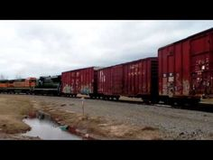 Knoxville Locomotive Works 2250 on today's BNSF local - YouTube