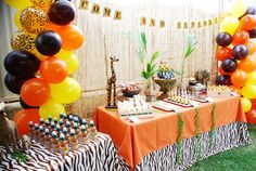 Una decoración espectacular para una fiesta jungla o una fiesta safari, via blog.fiestafacil.com / A spectacular decoration for a jungle or a safari party, via blog.fiestafacil.com