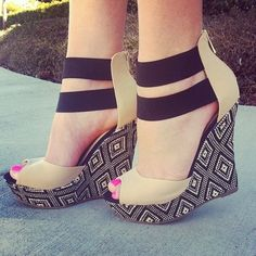 LOVE these patterned wedges! Amazing