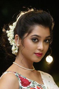 Beautiful Girl Indian, Beautiful Girl Image, Most Beautiful Indian Actress, Most Beautiful Women, Cute Beauty, Beauty Full Girl, Beauty Women, Beautiful Bollywood Actress, Beautiful Actresses