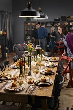 Find easy, affordable ideas to help you get ready for the holidays in our Holiday Prep Guide! From setting up your space for the holiday to prepping and cooking a holiday feast, IKEA can help you make it.