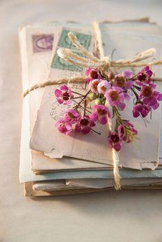 Zakochany Kafka - jedynie zł w matras. Letter Photography, Vintage Photography, Photography Flowers, Lifestyle Photography, Rotulação Vintage, Vintage Market, Vintage Floral, Vintage Style, Wallpapers Gospel