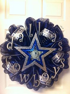 Dallas Cowboys Wreath by JustPutaWreathonIt on Etsy Football Team Wreaths, Sports Wreaths, Football Decor, Cowboys Football, Dallas Cowboys Wreath, Dallas Cowboys Party, Cowboy Theme Party, Cowboy Birthday, Cowboy Christmas