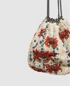 Beaded Purses, Beaded Bags, Sacs Design, Potli Bags, Creative Textiles, Embroidery Bags, Diy Handbag, Art Bag, Basket Bag
