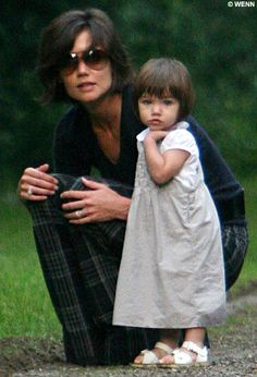 an older but lovely picture of katie holmes and suri