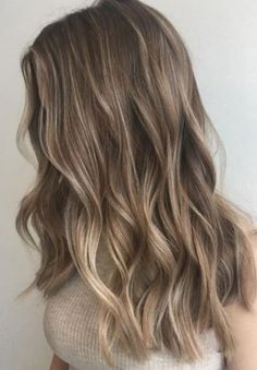 49 Beautiful light brown hair color to try for a new look- The Best Hair Colour Ideas For A Change-Up This Year, Gorgeous Balayage Hair Color Ideas - brown Balayage Highlights,Beachy balayage hair color Ombré Hair, New Hair, Curls Hair, Wavy Hair, Long Curled Hair, Long Curls, Short Hair Styles, Natural Hair Styles, Natural Ombre Hair
