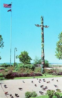 "Totem pole in Confederate Park, brought to Memphis by Boss Crump. Click through for the story from ""Ask Vance"" Lauderdale."