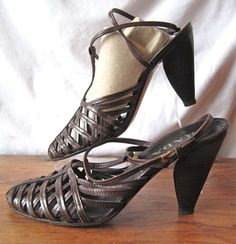 PRADA sz 38 1/2, Brown Woven T-Strappy Leather Sexy Sandals, sz 8-8.5, $89 on ebay