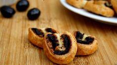 Mini palmiers à la tapenadeVoir la recette des Mini palmiers à la tapenade >> Savoury Cake, Bagel, French Toast, Cheesecake, Sweet Home, Bread, Cookies, Breakfast, Desserts