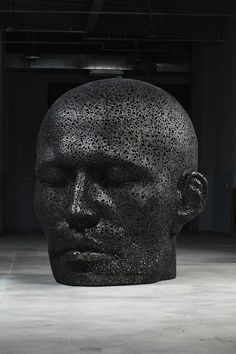 Meditative Sculpture with Metal Chain by Young-Deok Seo _