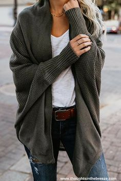 Check out these warm classy sweaters, cardigans, chunky, oversized, cute, vintage casual many different ones to choose from. #fashion #sweater #fall #sweatercowok #style #sweaterweather #love #fashion, #trendy #sweatermurmer #affiliate #tshirtsweater