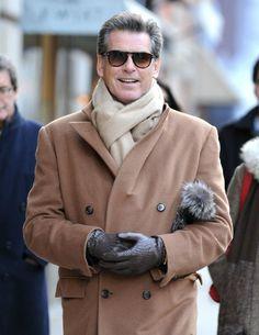 El impecable estilo de Pierce Brosnan  El actor irlandés pasea sus 59 años con un fondo de armario inmejorable