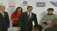 Evento con Cientificos de la UNAM e IPN en el que resultó Inútil su Presencia.