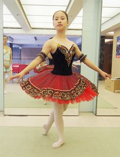 Ballet Tutu, Ballet Costumes, Summer Dresses, Formal Dresses, Ballerinas, Spanish, Shoes, Fashion, Tutus
