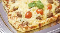 Lihapullapiiras valmistuu helposti ja nopeasti! Vegetable Pizza, Baking, Vegetables, Food, Patisserie, Veggie Food, Bread, Vegetable Recipes, Bakken