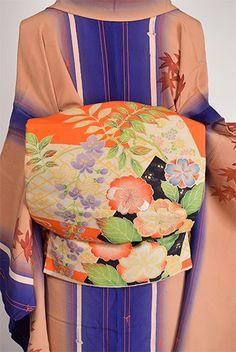 朱の縞に桜や藤や菊花美しい四季の花絵札浮かぶアンティーク昼夜帯 - アンティーク着物・リサイクル着物のオンラインショップ 姉妹屋
