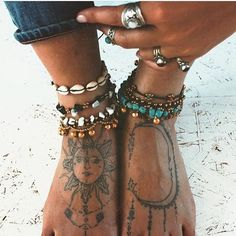Boho-Schmuck / / Bohemian Schmuck / / Hippie-Schmuck / / Hippie-Chic / / Boho-Stil Schmuck / / Bohostyle Source by freebohospirits No related posts. Boho Chic, Style Boho, Look Boho, Gypsy Style, Hippie Chic Style, Hippie Styles, Bohemian Style Jewelry, Looks Hippie, Hippie Man