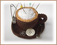 Nadelkissen Cappuchino-Tasse gehäkelt Kaffee