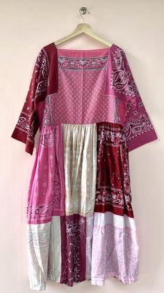 Pink Maxi, White Maxi, Pink Dress, Beautiful Blouses, Beautiful Outfits, Bandana Ideas, Bandana Quilt, Upcycled Clothing, Diy Clothing