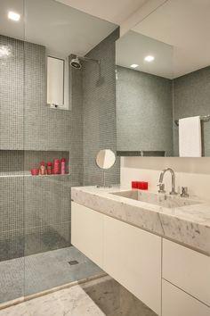 Bancada em Mármore Branco Carrara   http://www.decorfacil.com/modelos-de-banheiros-decorados/