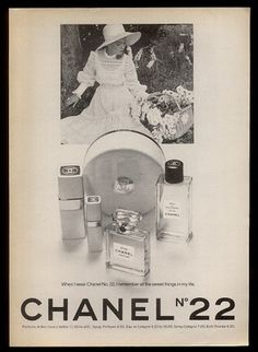 1974 Chanel No 22 Perfume Powder Cologne Spray Pretty Woman