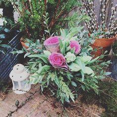 Tips till blomsterbindare där ute!  Fynda dekorationskål som reas nu hos grossisterna och gör jul med dem!  #florist #julbukett #jul #bukett #dekorationskål #eukalyptus #tulpan
