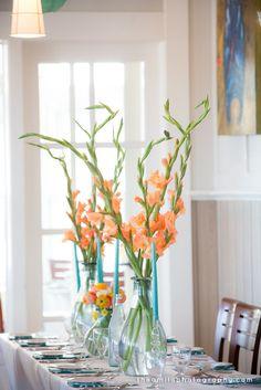 Gladiolus wedding flowers in category Flowers Gladiolus Wedding Bouquet, Gladiolus Centerpiece, Fall Wedding Bouquets, Hortensien Arrangements, Wedding Flower Arrangements, Modern Wedding Flowers, Floral Wedding, Tall Wedding Centerpieces, Centrepieces