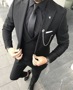 All Black Heritage Suit Tap to Shop 🌎 Free Express Shipping Worldwide menspriorities Black Three Piece Suit, All Black Suit, Black Suit Wedding, Men Wedding Suits, Wedding Groom, Black Tie, Dress Suits For Men, Suit And Tie, Mens Fashion Suits
