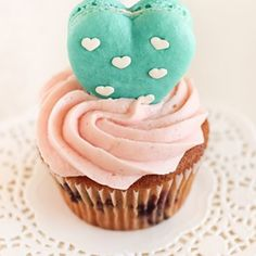 These look wonderful!  So many crazy things to do with cupcakes.