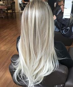 40 Hottest Blonde Hair Looks for This Summer Blonde highlights Hybrid Elektronike Bright Blonde Hair, Ice Blonde Hair, Blonde Hair Shades, Blonde Hair Looks, Blonde Hair With Highlights, Brown Blonde Hair, Platinum Blonde Hair, Icy Blonde, Blonde Straight Hair