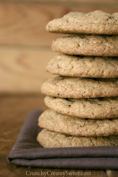 Whole Wheat Chocolate Chip Cookies | CrunchyCreamySweet.com