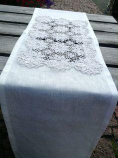Table runner Designed by Sinipellavainen