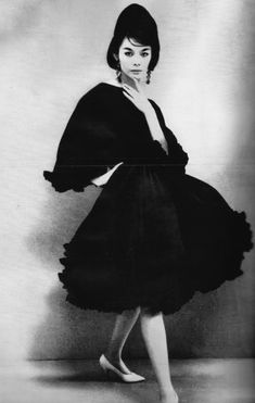 Capucci's black chiffon butterfly in three short tiers Hiroko, Known as Miss Hiroko, she was the first ever Japanese model for a French clothing collection Japanese Models, Japanese Fashion, Vintage Couture, Vintage Fashion, Top Fashion Magazines, French Outfit, Seventies Fashion, Richard Avedon, Classic Style Women