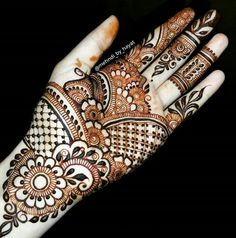 Beautiful Mehndi Design - Browse thousand of beautiful mehndi desings for your hands and feet. Here you will be find best mehndi design for every place and occastion. Quickly save your favorite Mehendi design images and pictures on the HappyShappy app. Henna Designs Feet, Mehndi Designs 2018, Mehndi Designs Book, Mehndi Design Pictures, Unique Mehndi Designs, Beautiful Henna Designs, Mehndi Designs For Fingers, Henna Tattoo Designs, Bridal Mehndi Designs