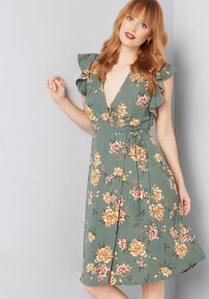 Just Aflutter Day Faux Wrap Dress Green Floral Unique Dresses, Fall Dresses, Casual Dresses For Women, Cute Dresses, Girls Dresses, Summer Dresses, Floral Dresses, Dress Casual, Green Midi Dress