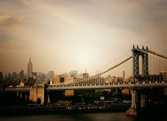 New York, city skyline at sunset