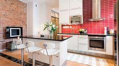 Vhite and black kitchen, brick wall, red backsplash Black Kitchens, Cool Kitchens, Flat Share, Tent Living, Best Flats, Modern Fireplace, Dream Apartment, Beautiful Kitchens, Granite Countertops