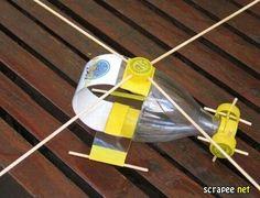 http://professoraivaniferreira.blogspot.com.br/2015/09/brinquedos-feitos-com-materiais.html     Carrinho de garrafa pet.          Bule com...