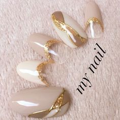 Beautiful with Gold accents nice crystal clear. Cute Nail Art Designs, Colorful Nail Designs, Gel Nail Designs, Asian Nails, Japan Nail, Self Nail, Korean Nail Art, Nail Techniques, Japanese Nail Art