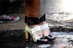 streetstyle foto settimana della moda di milano fashion week outfit look dettaglio scarpe      #streetstyle #look #outfit #mfw #fashionwee #blogger #fashioneditor    www.ireneccloset.com