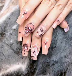 The details 😍😍  Bling Nails, Swag Nails, Glitter Nails, Hot Nails, Hair And Nails, Gorgeous Nails, Pretty Nails, 3d Flower Nails, 3d Nail Designs