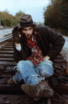 Train's comin' and it's gettin' dark. Time to set me up a campfire. Wonder if I'll run into Boxcar Bertha again.
