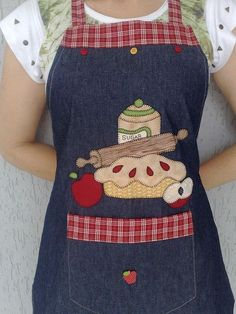 15 Ideas Denim Quilting Ideas Fun For 2019 Applique Patterns, Sewing Patterns, Fabric Crafts, Sewing Crafts, Artisanats Denim, Jean Apron, Cute Aprons, Denim Crafts, Sewing Aprons